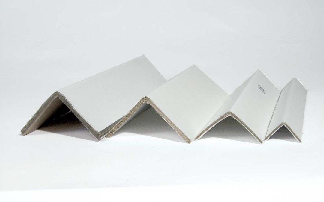 Kantskydd av papp 35x35x3 mm, längd 1 m